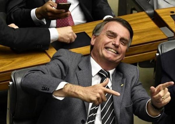 رییس جمهور برزیل: به خاطر مردن چند نفر نمی توان کشور را تعطیل کرد